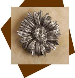 Anne at Home Daisey Flower Cabinet Knob / Large