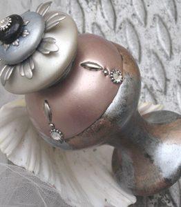 Susan Goldstick Finials J Tieback Lily -Light Bronze/Alabaster/Silver/Black