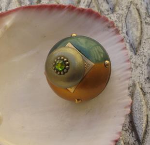 Susan Goldstick Emerald/ Gold Nu Duo Decorative Cabinet Knob